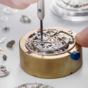 De assemblage van een skelet-uurwerk in het Grand Complications Atelier