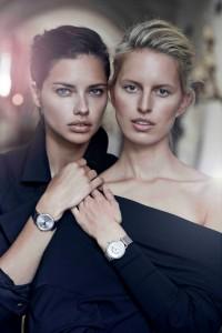Adriana Lima draagt de Portofino Midsize Automatic, Karolina Kurkova de Portofino Midsize Day & Night